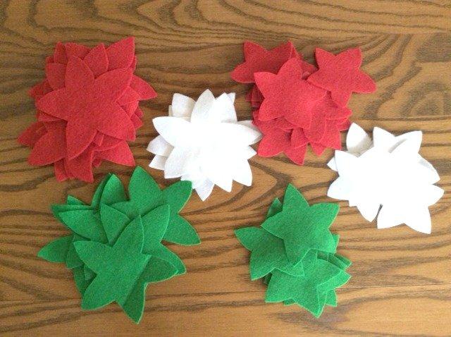 Make a felt Christmas garland