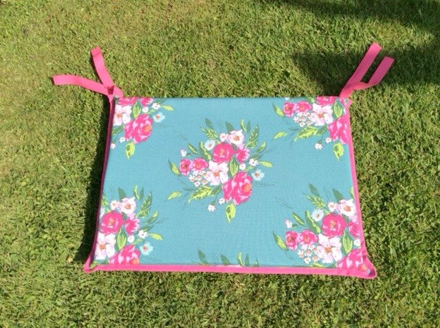 Sew your own pretty outdoors cushions