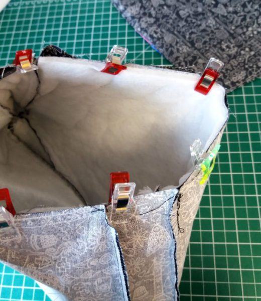 Assemble a bag and its lining