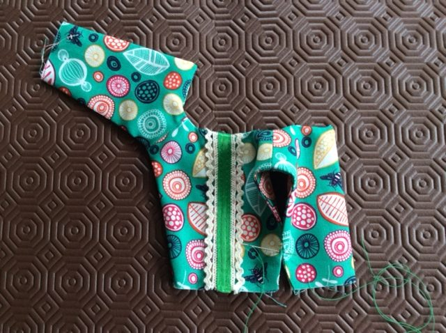 How to sew an outfit for a topsy turvy doll