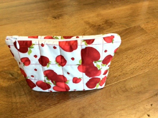 How to sew a simple quilted pouch