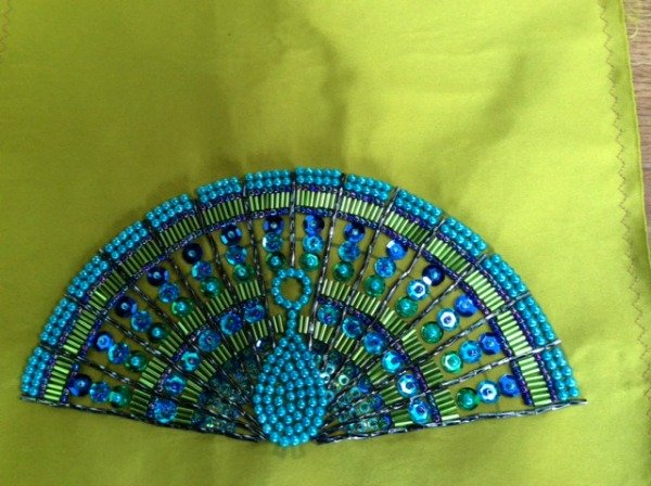 How to make a peacock from beads
