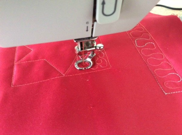 How to do meander quilting