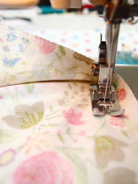 Sewing in a skirt zip