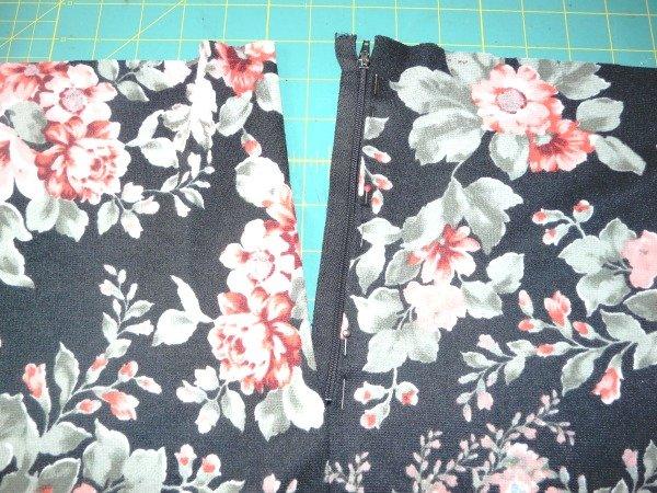 Add a zip into a skirt