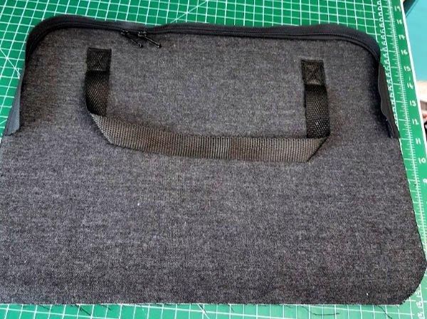Zip up laptop bag project