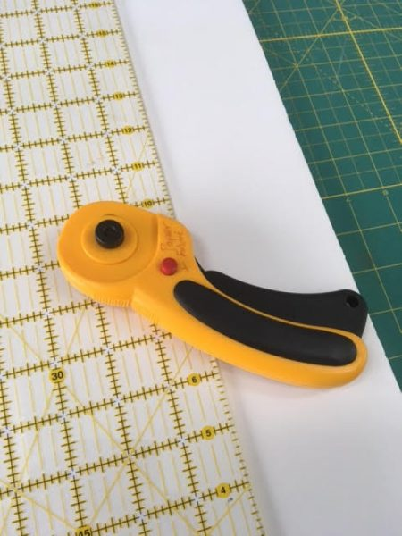 Trimming a mount board for an embroidery