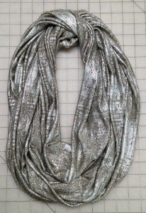 Make an infinity scarf on an overlocker