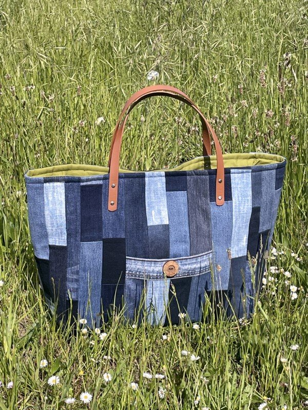 Upcycled jeans patchwork tote project