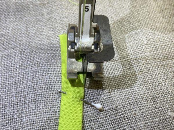 How to stitch bias tape applique