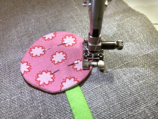 How to sew applique by machine