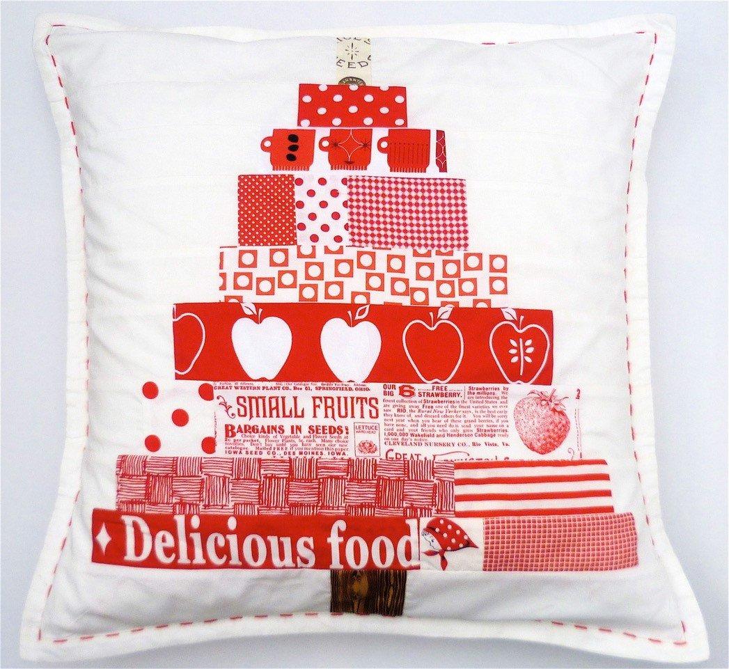 Scandinavian Christmas Tree Cushion Project