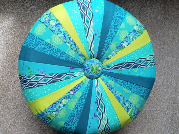 How to make a patchwork pouffe