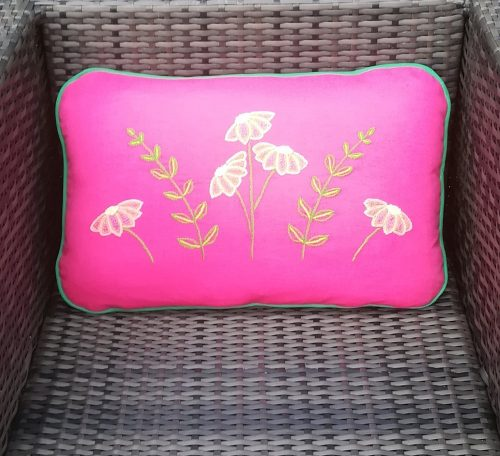 Embroidered garden cushion project