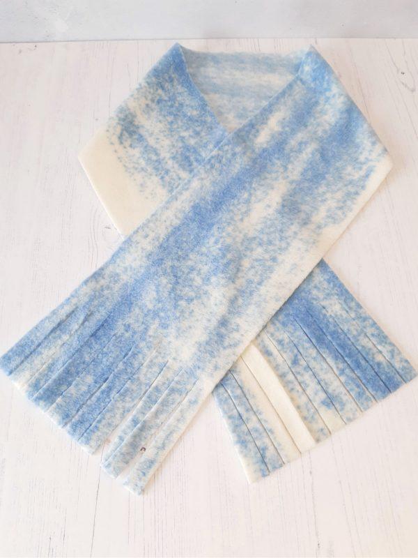 Easy fleece scarf project