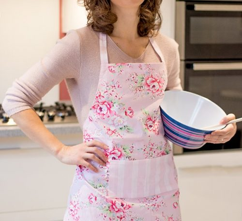 Pretty apron sewing project