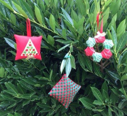 Make simple Christmas decorations